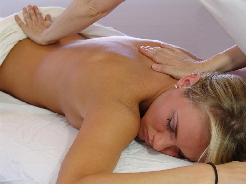 Issanthai - Back Massage